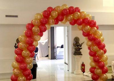 Ballonnenboog-tbv-Bruiloft-bij-Jagdish-Cultural-Centre