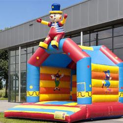 Springkussen Circus met zittende clown